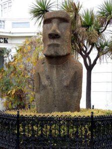 Conheça um moai no seu roteiro de 3 Dias em santiago