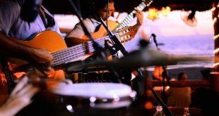 Muita Música ao Vivo em Santiago