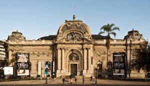 Museo_Nacional_de_Bellas_Artes,_Santiago_do_Chile.