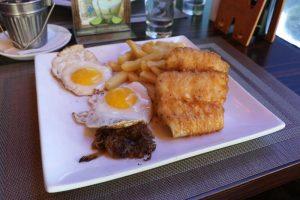 Prato principal no Restaurante costamia
