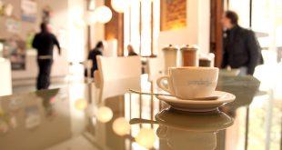 Café espresso preparado com grãos de alta qualidade